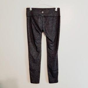Athleta Pants - Athleta》Black with Silver Shimmer Seamless Crop